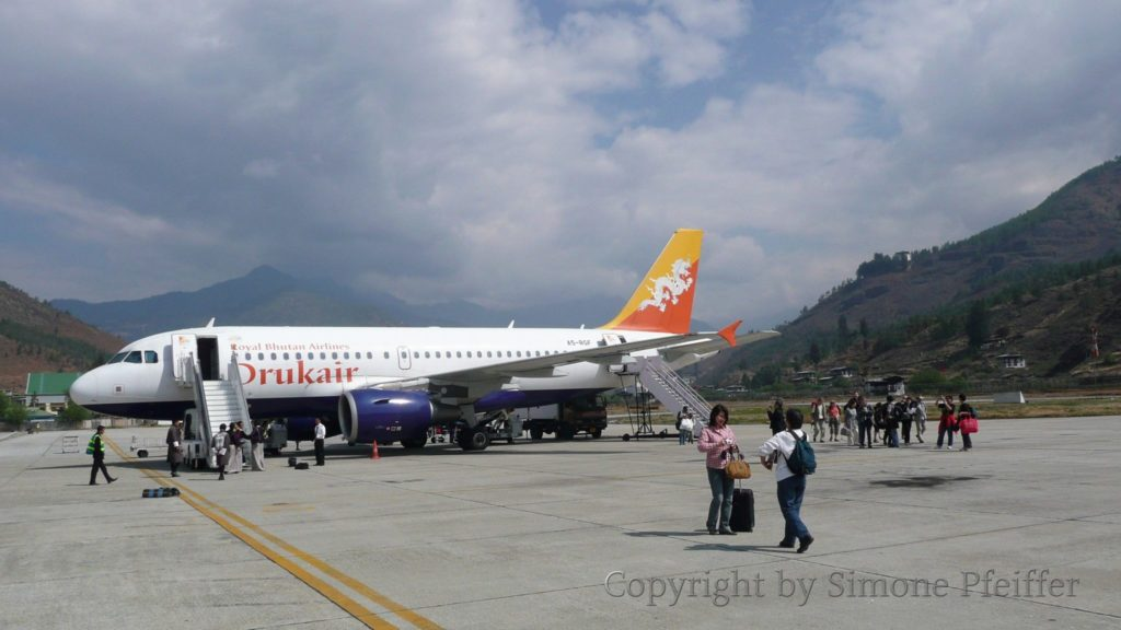 Der internationale Flughafen Paro in Bhutan.