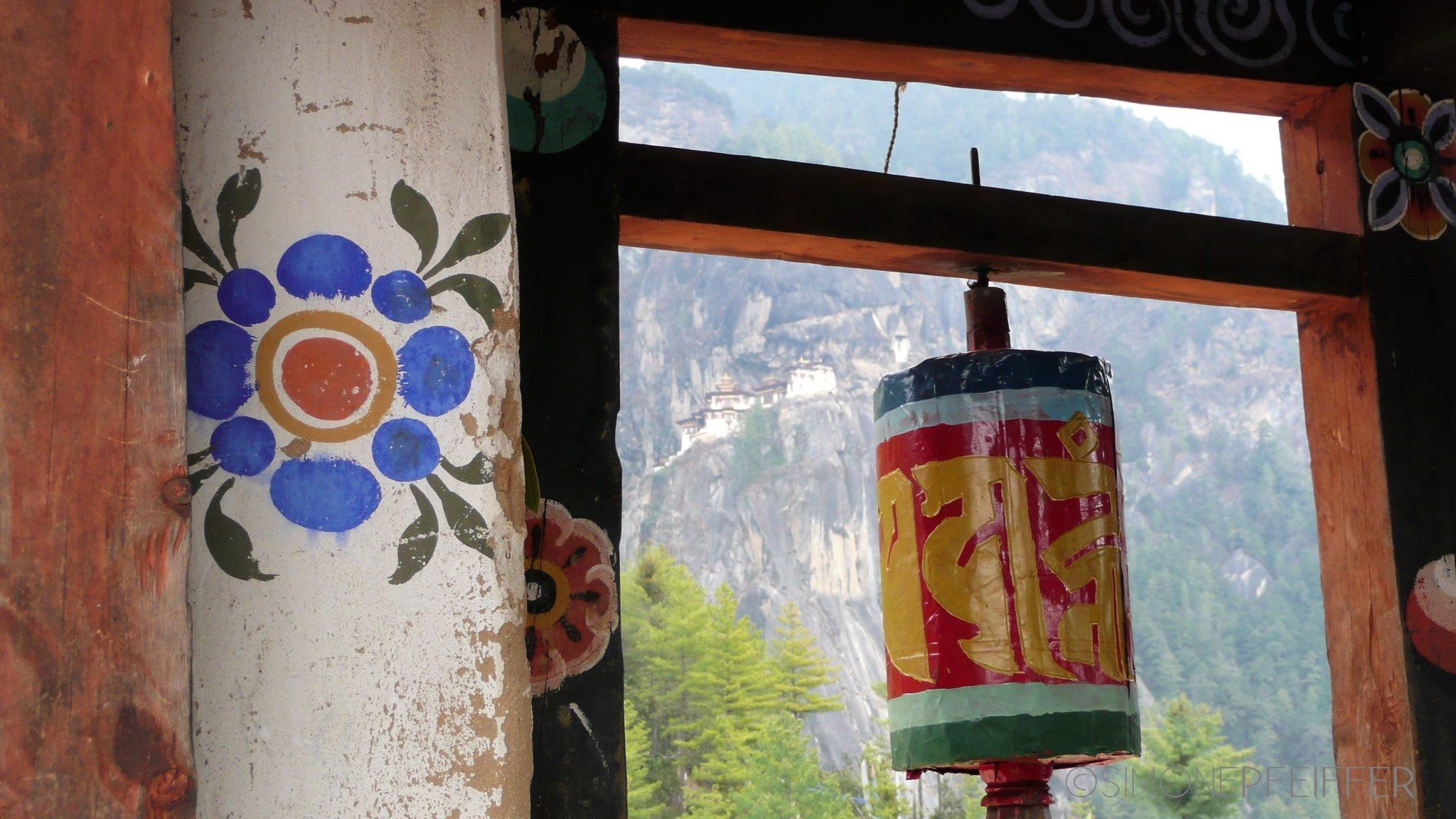 Erkundungsreisen in Asien und Afrika - To Bhutan - Kingdom in the Himalayas